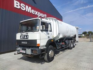 شاحنة نقل الوقود IVECO 330-30, 6x4, 26000 liter, JET A-1