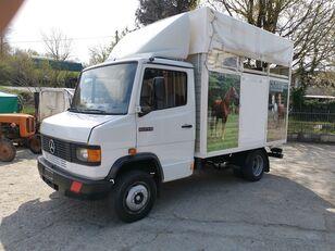 камион за превоз на коне MERCEDES-BENZ 609