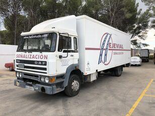 شاحنة مقفلة DAF 1700