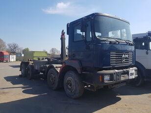شاحنة ذات الخطاف MAN F2000 35-364