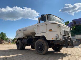 شاحنة الصهريج IFA L 60 1218 4x4 DSK